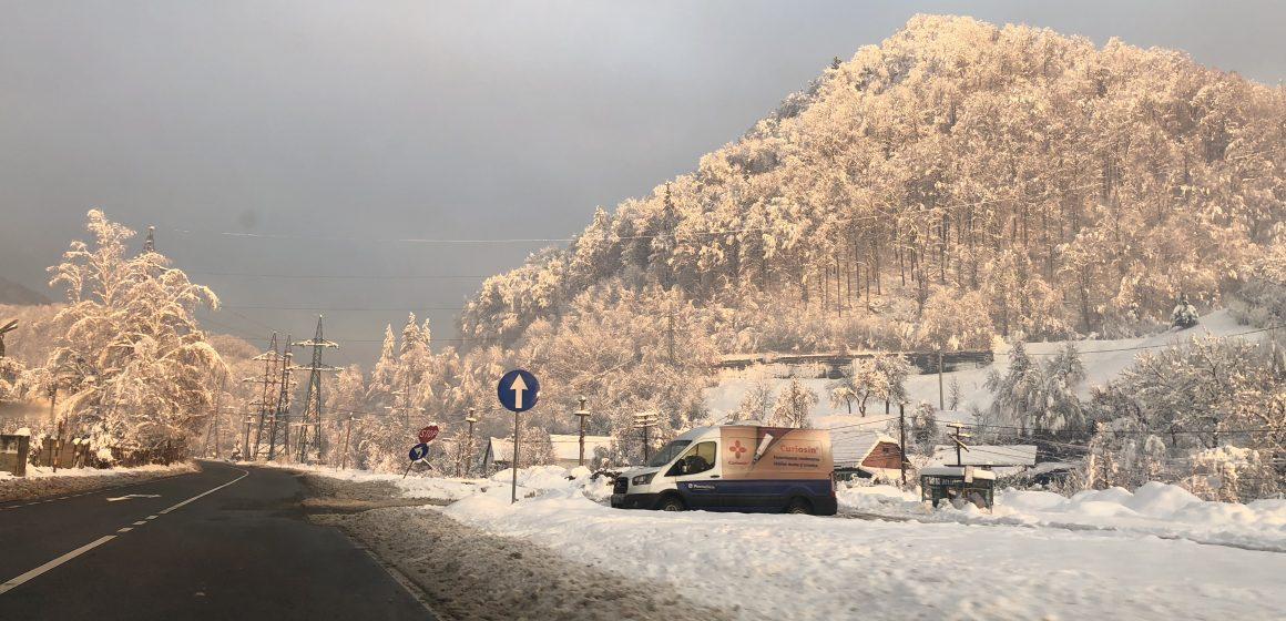Pe arii extinse la munte si local in rest va ninge slab