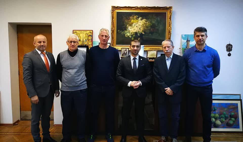 """Consiliul Județean Maramureș a alocat 150.000 de lei pentru susținerea echipei de volei masculin """"U"""" Explorări"""
