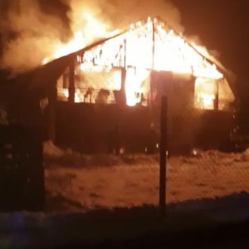 Incendiu violent la Tăuții Măgherăuș