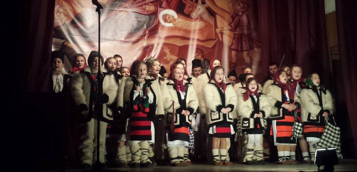 """Consiliul Județean și Clubul Copiilor Sighet, parteneri în proiectul """"Cum e datina străbună"""""""