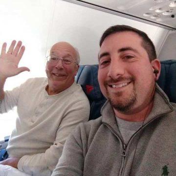 Un tată a cumpărat bilete de avion la toate zborurile fiicei sale, pentru a petrece Crăciunul cu ea