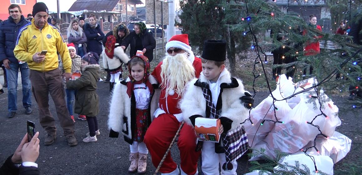 Video|Cadouri de la Moș Nicolae pentru copiii din Sat Șugatag