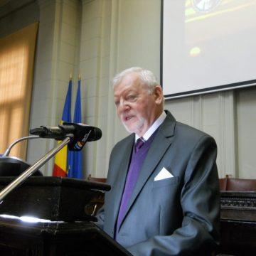 """Universitatea """"Vasile Goldiș"""", în doliu"""