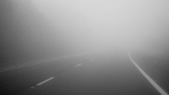 VIDEO | Vizibilitate redusa de ceata, sub 100 de metri, in Pasul Prislop