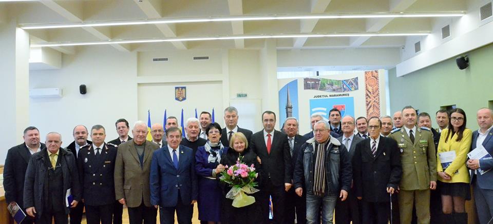 Lansare de album omagial și plachete aniversare primite de foștii prefecți ai județului