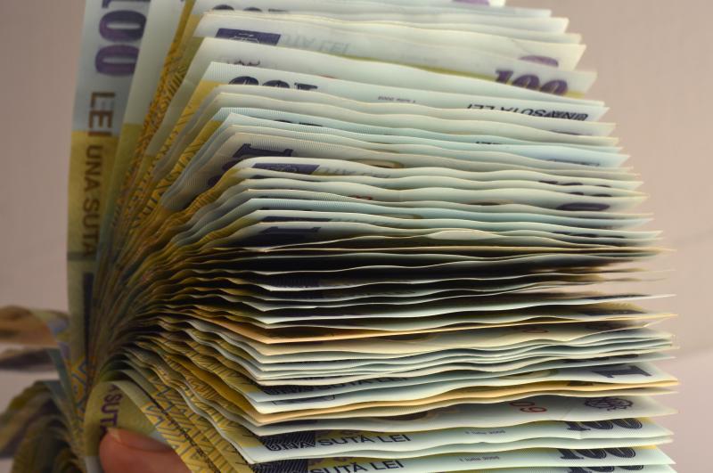 VIDEO | Salariul minim crește de la 1 ianuarie 2019