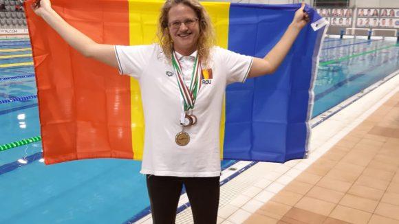 Înotătoarea Delia Kovacs, locul I la Campionatul Național de Înot din Ungaria