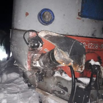 VIDEO | Vagon deraiat din cauza unor căderi de pietre de pe versant