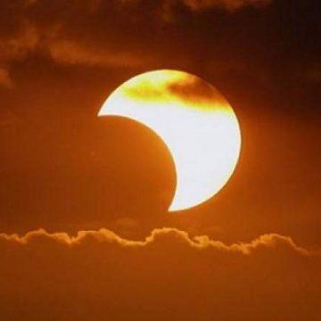 Prima duminică din an vine cu o eclipsă parţială de Soare