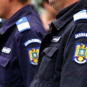 Scandalagii și cerșetori amendați de jandarmi