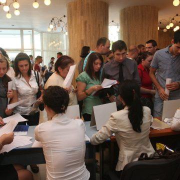 VIDEO | AJOFM organizează Bursa generală a locurilor de muncă