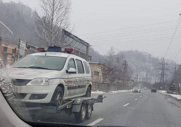 Cu poliția pe rampă