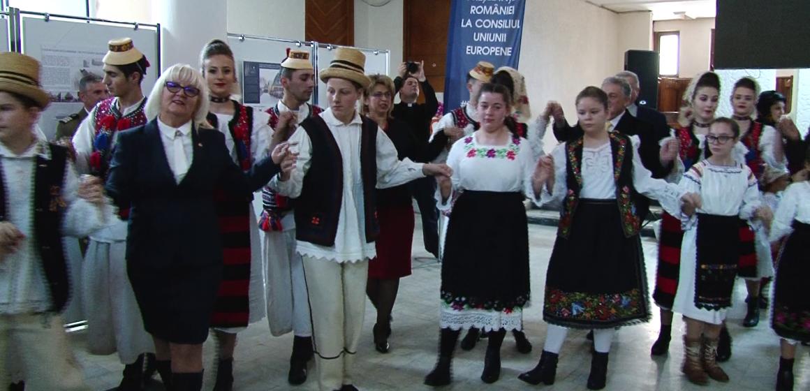 VIDEO | Un singur parlamentar  la manifestările de la Prefectură dedicate Micii Uniri