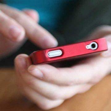 VIDEO | Și-a pierdut telefonul, dar i l-au găsit polițiștii