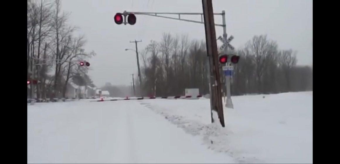 Nu se circulă pe calea ferată Baia Mare-Satu Mare. Un tren a avut întârziere de 211 minute