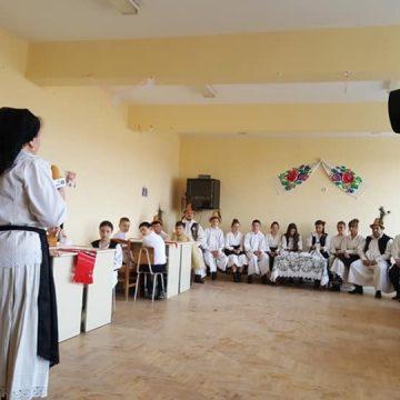 VIDEO | Zestrea Maramureșului: Proiectul Școala Rădăcinilor Străbune, la Băița de sub Codru