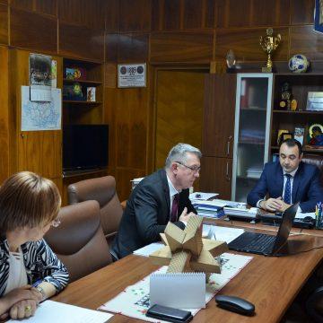 Secretarii unităților administrativ-teritoriale, convocați la ședință. Apel la respectarea legislației de către autoritățile administrației publice locale