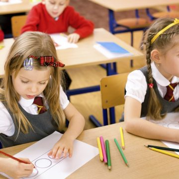 VIDEO | Cum e cu înscrierea în învățământul primar