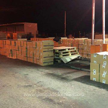 Peste 400.000 de pachete cu ţigări ascunse,  într-un automarfar cu brichete din lemn, în PTF Halmeu
