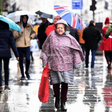 Alertă pentru românii care călătoresc în U.K.