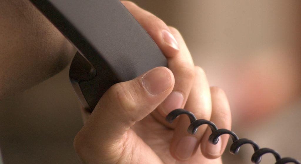 Video|Atenție la escroci! Un bărbat a fost înșelat prin telefon de un fals nepot