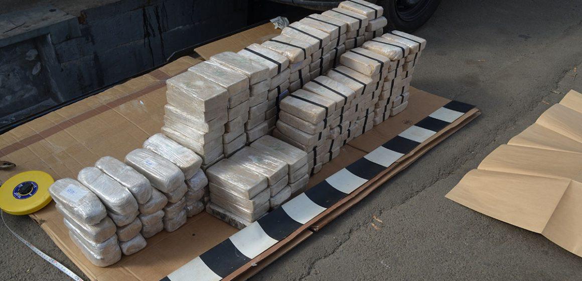 Video|Doi olandezi prinși cu 84 de kilograme de heroină la granița din Sighet