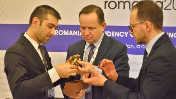 La summitul de la București,  președintele CJ Maramureș și mareșalul Voievodatului Podkarpackie fac noi pași spre înfrățire