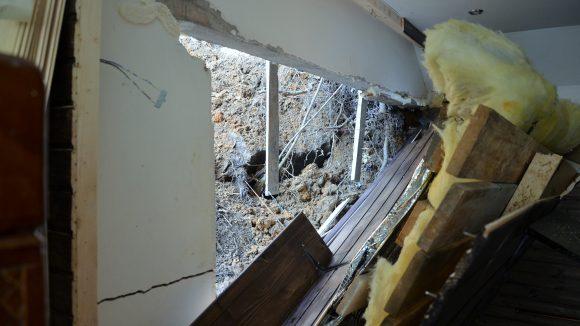 VIDEO | Locuințe afectate de alunecări de teren în localitățile Valea Chioarului, Baia Sprie și Ulmeni