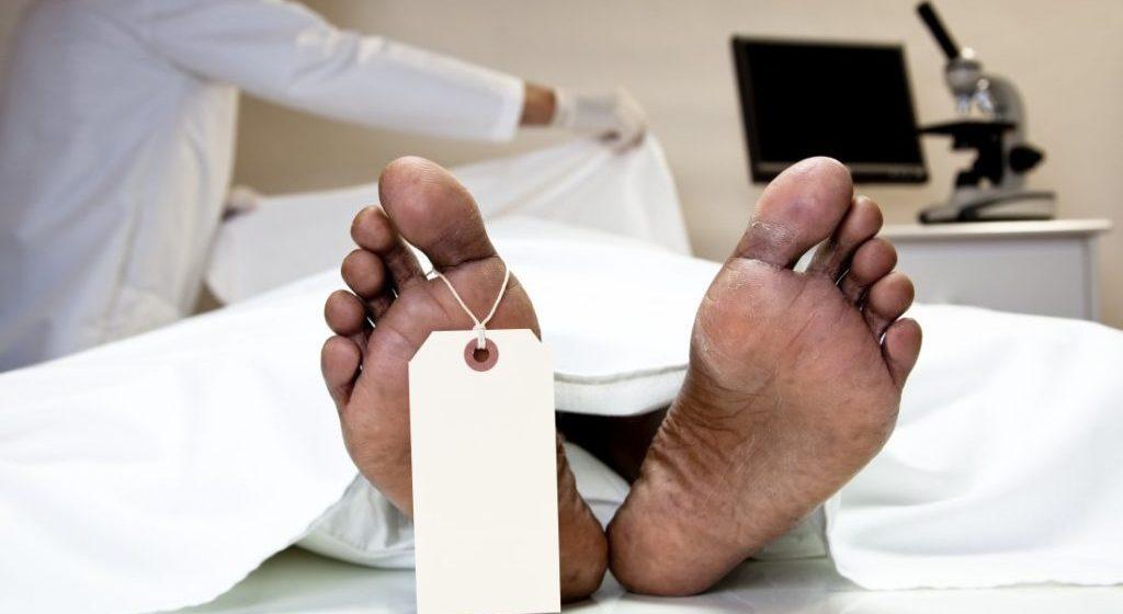 Descoperire macabră într-un imobil din Baia Mare – un bărbat a fost găsit mort
