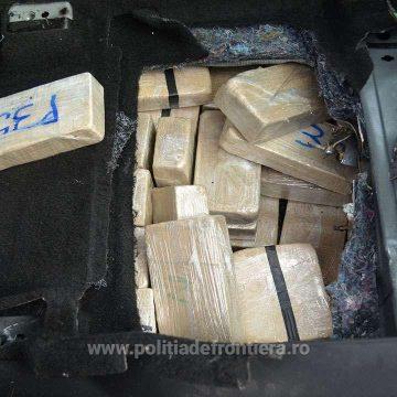 VIVEO | Olandezii prinși la Sighet cu 84 kg de heroină au fost arestați preventiv