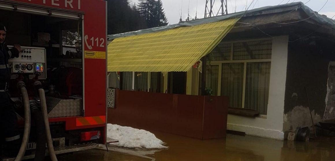 Video|Concluzia autorităților după intervenția din Baia Borșa: în gospodăria inundată n-au ajuns ape de mină