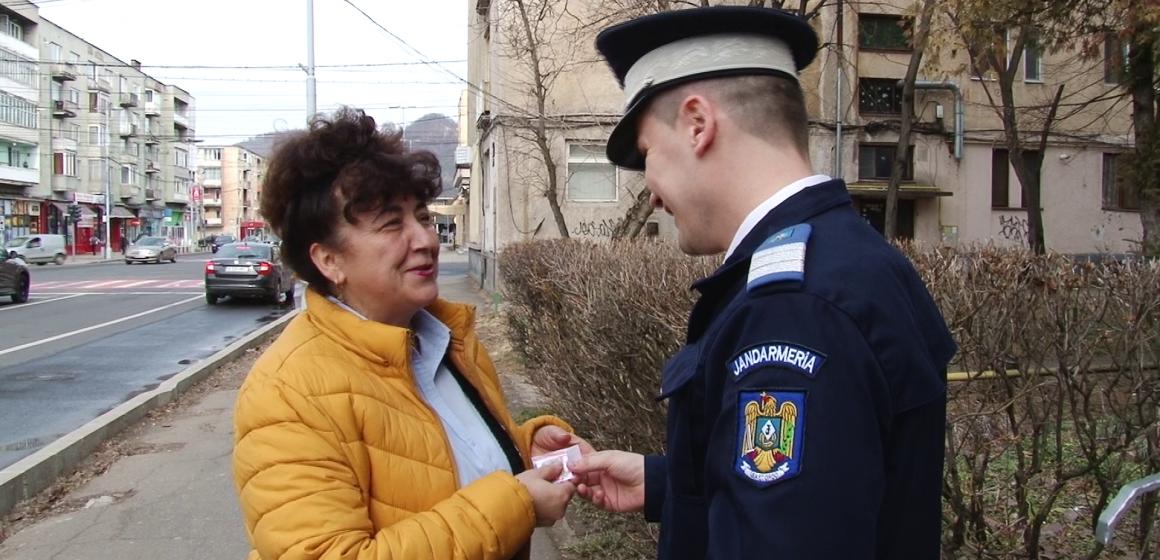 VIDEO | Mărțișoare de la jandarmi