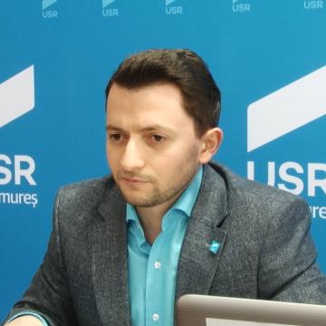 VIDEO | Deputatul USR Vlad Duruș i-a cerut Guvernului să nu-și mai bată joc de maramureșeni în privința Autostrăzii Nordului