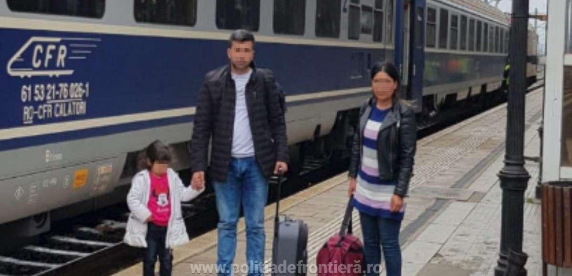 Familie de cetăţeni turci, depistată la frontieră cu documente false