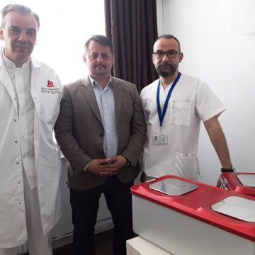 VIDEO | Aparatură și instrumentar chirurgical în valoare de 80.000 de lei pentru Spitalul Județean de Urgență