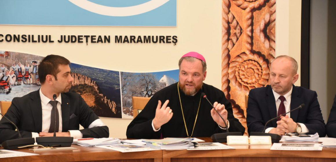 """Doi ierarhi au primit titlul de """"Cetățean de onoare al județului Maramureș"""""""