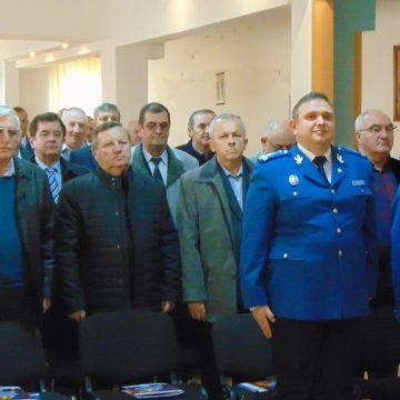 Video|Jandarmii de azi, de vorbă cu jandarmii de ieri