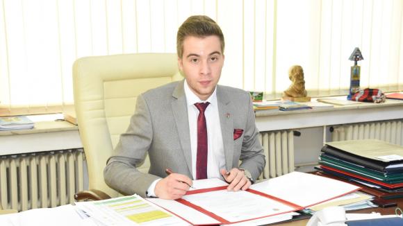 """VIDEO   GALERIE FOTO   Elev de la """"Șincai"""", președinte al Consiliului Județean pentru o zi"""