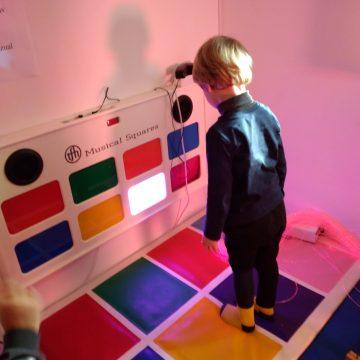 Video|Ziua internațională de conștientizare a autismului, marcată în două centre ale DGASPC Maramureș