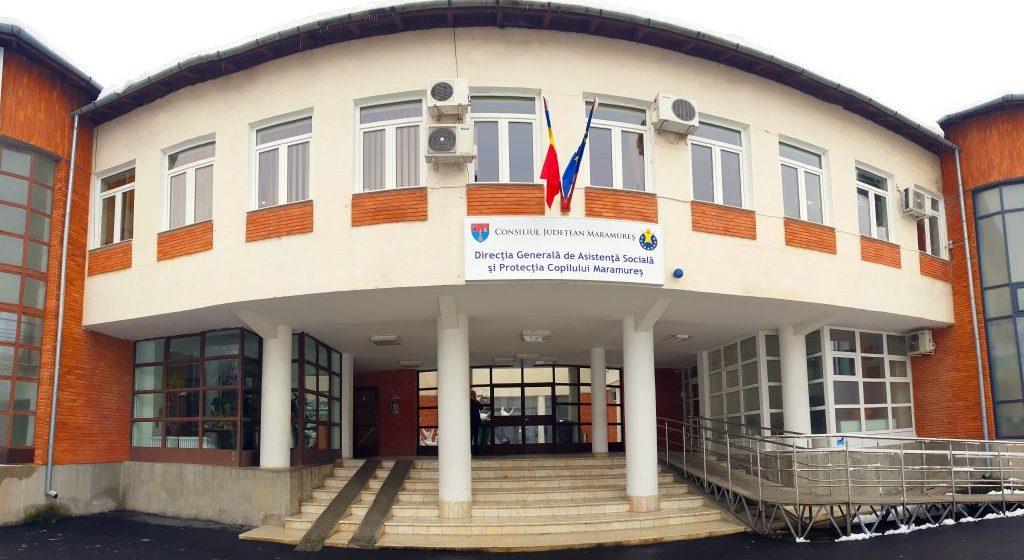 """Elevul de la Colegiul """"Titulescu"""" luat pe sus de polițiști după ce a făcut distrugeri prin sala de clasă are antecedente"""