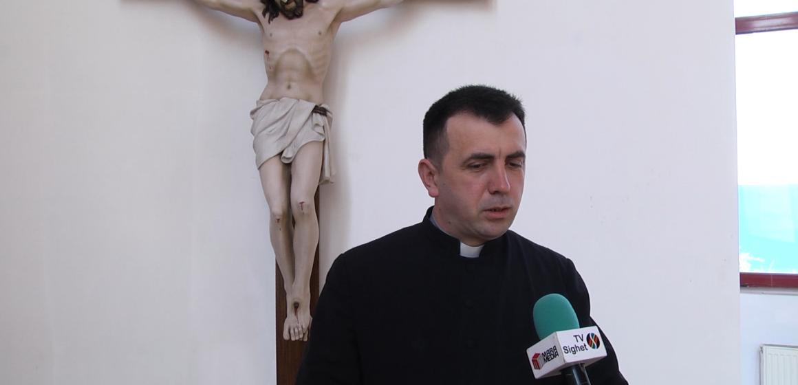 Video|Concert de Florii la Memorial susținut de corul Bisericii greco-catolice Cristos Rege