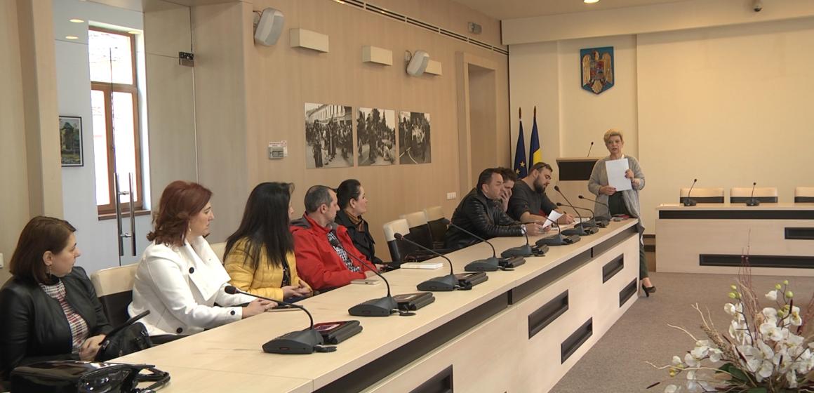 Video|Campanie de curățenie în Sighet, la care pun umărul și elevii