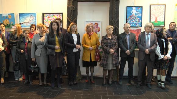 VIDEO | Preșcolarii și elevii din Maramureș vin în sprijinul Oanei Puicar