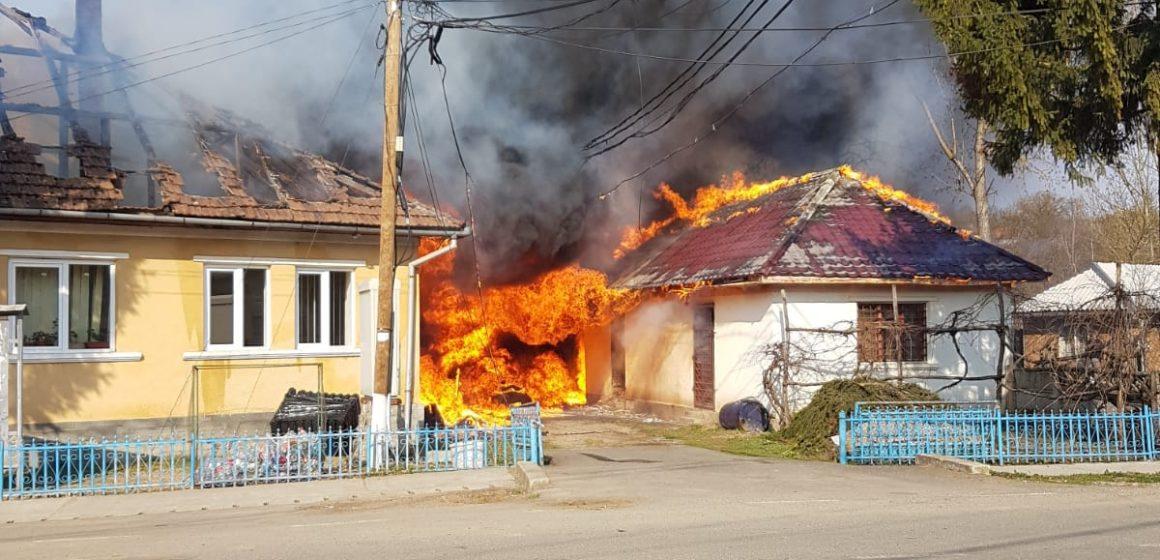 VIDEO | A luat foc Primăria Băsești