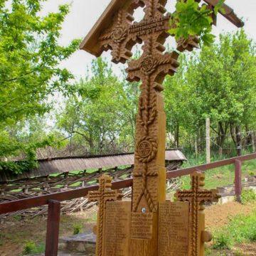 Troița de la Muzeul Satului a fost sfințită în prezența a numeroși maramureșeni