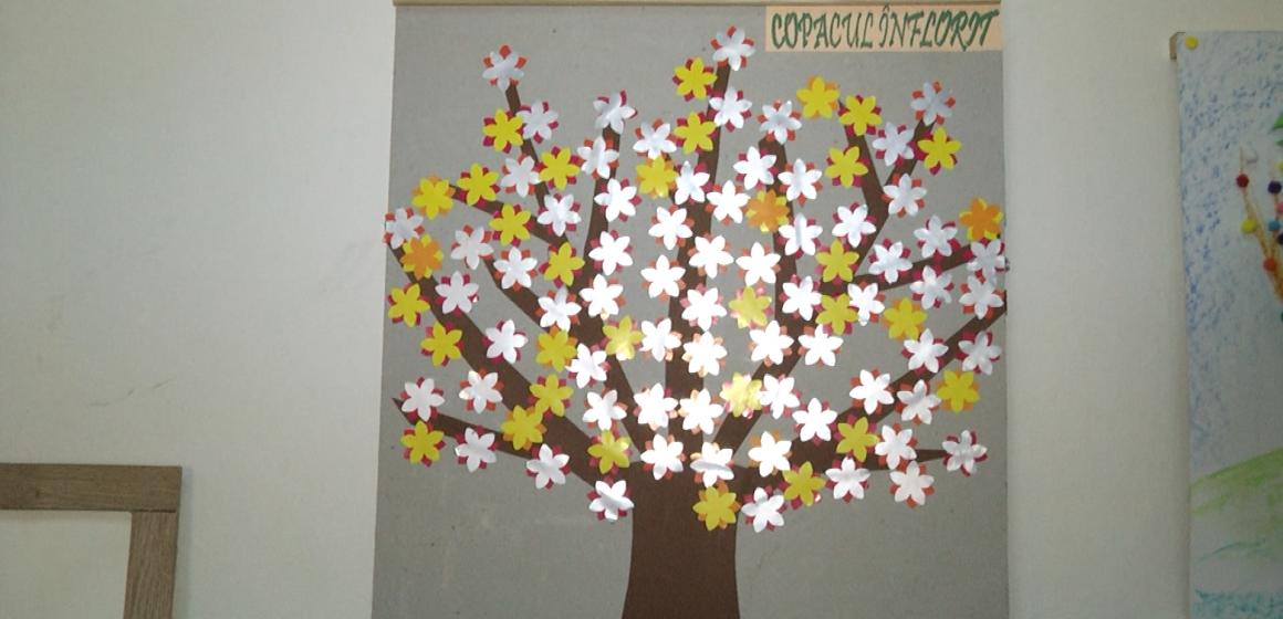 VIDEO | Sighetenii sunt invitați să cumpere, în scop caritabil, tablouri realizate de copii