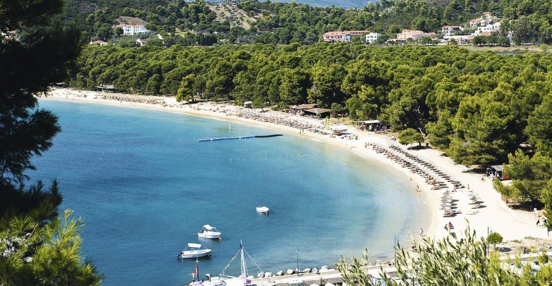 Super ofertă în Insula Skiathos! Plecare cu avionul din Cluj, în 8 iunie