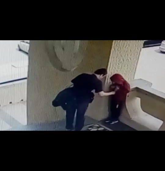 VIDEO   Alertă în Baia Mare – posibil pedofil cercetat de polițiști