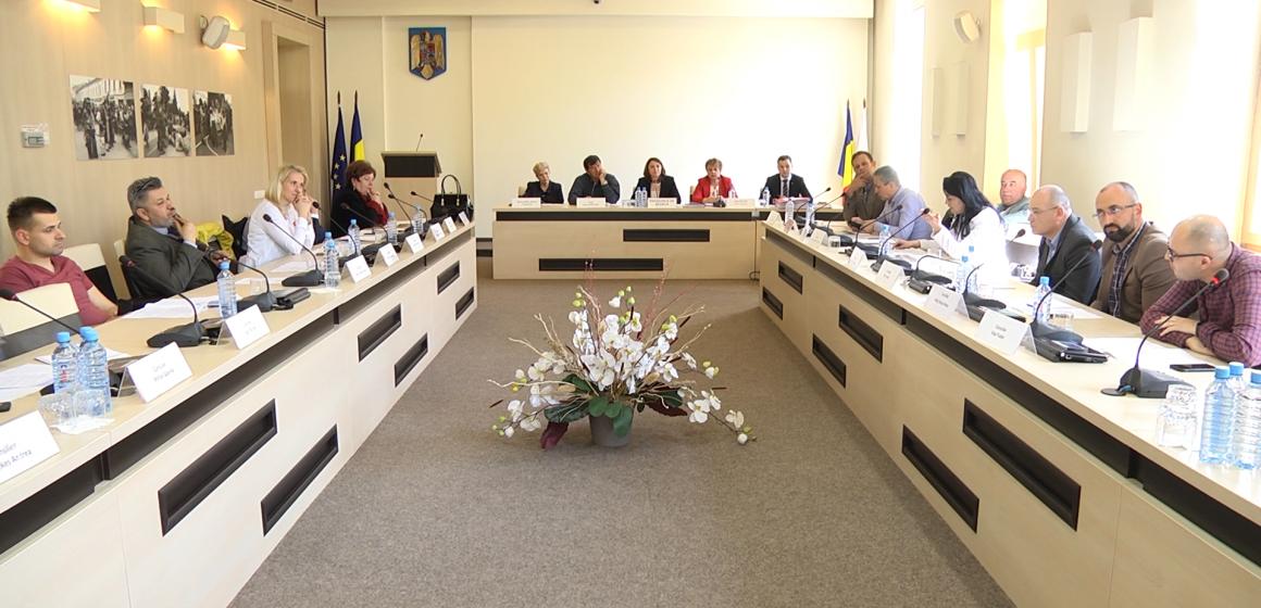 Bani pentru întrunirea de la Sighet a Asociației Secretarilor de Municipii din România