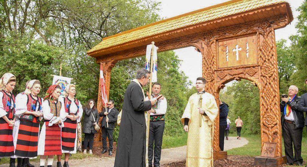 VIDEO | Delegația Consiliului Județean a celebrat poarta maramureșeană amplasată în Viena
